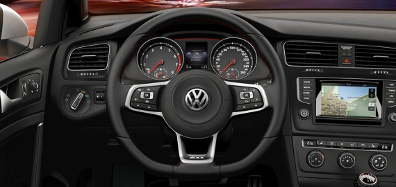 Место водителя Volkswagen Golf